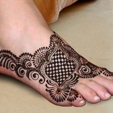 Mehendi designs for feet 09