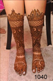 Mehendi designs for feet 11