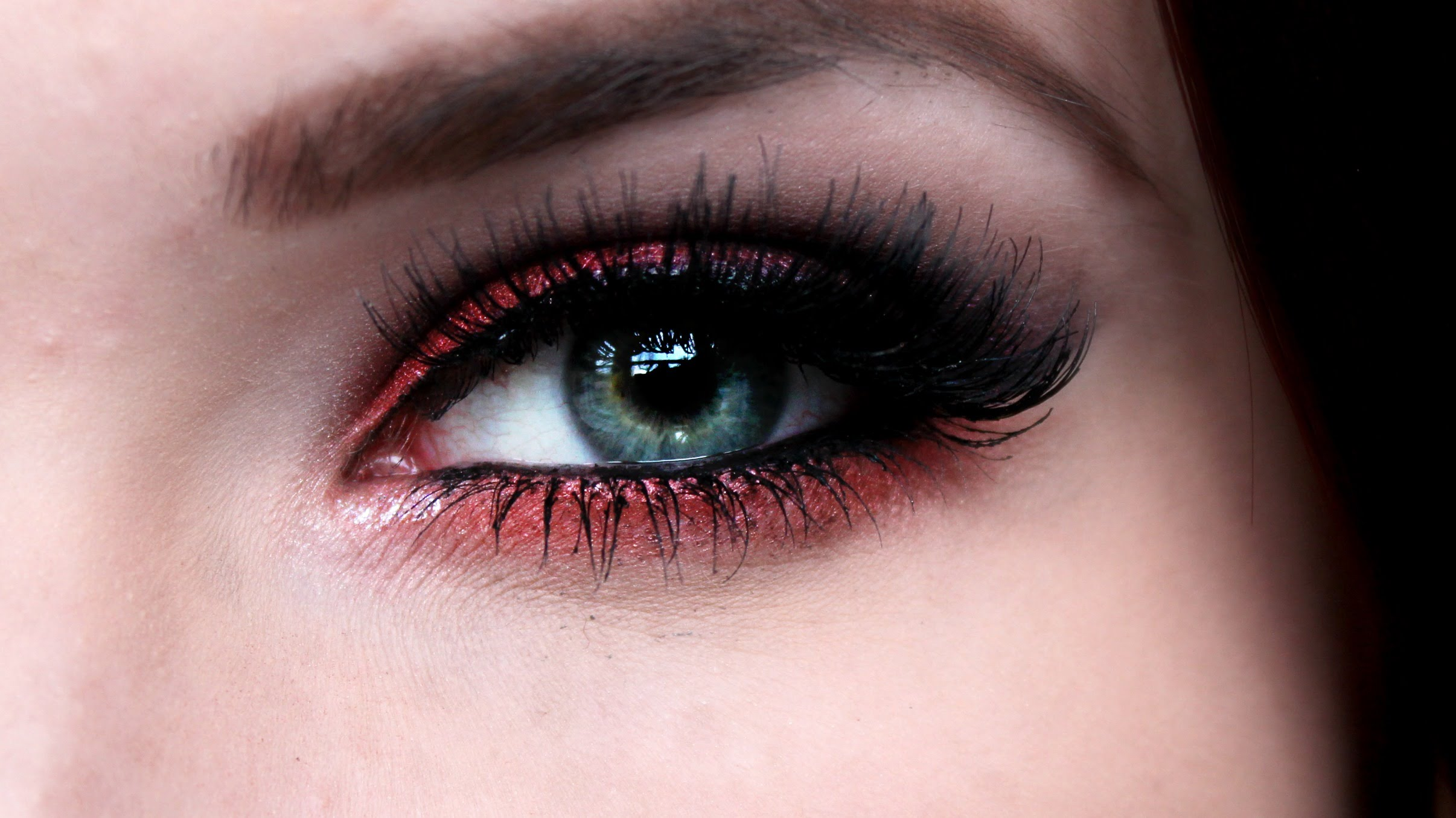Clever Red Lipstick And Eye Makeup Looks For A Date Night Indian