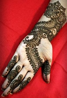 beautiful-mehndi-designs-22