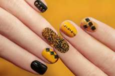 intricate-nail-art-designs-08