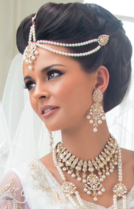 Indian bridal hairstyle for small face