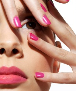 bollywood-indpired-nail-color-01