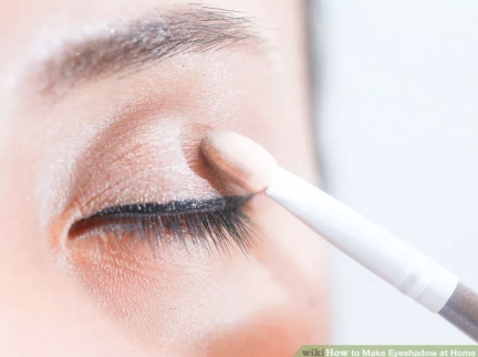 how-to-make-eyeshadow-at-home-10