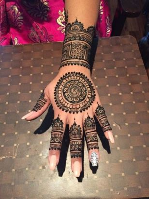 beautiful-mehndi-designs-42