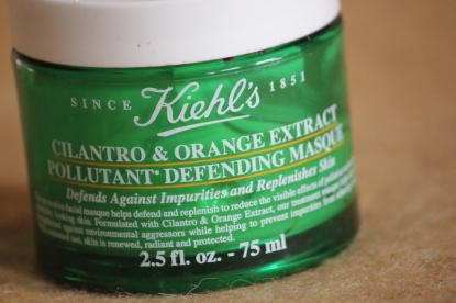 kiehls-cilantro-and-orange-extract-pollutant-defending-masque-02