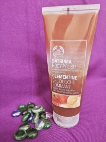 the-body-shop-satsuma-body-polish-03