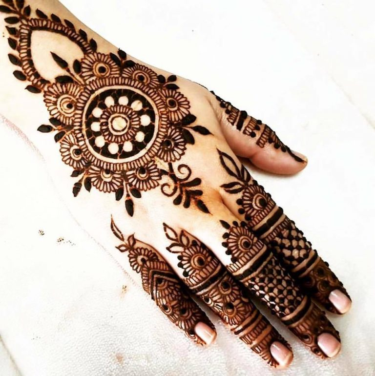 Beautiful Mehndi Designs 75