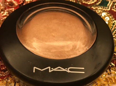 MAC Mineralize Skinfinish - Soft and Gentle 04