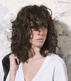 medium length hairstyles 31