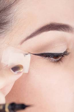 How to apply liquid eyeliner 16