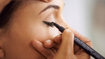 How to apply liquid eyeliner 22
